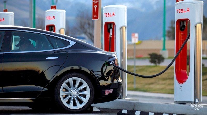 Iz-za-zapreta-na-majning-v-Kitae-stanovjatsja-populjarnymi-jelektromobili
